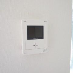 テレビ付インターホンが標準で施工されます。