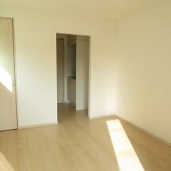 室内2 狭い空間を広く見せる白い内装