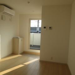 室内1 狭い空間を広く見せる白い内装