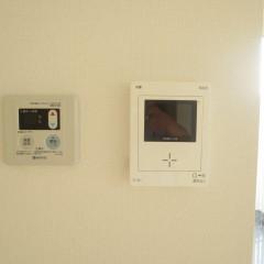 カラーモニターインターホンが標準で施工されます。