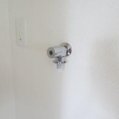 洗濯機用の蛇口は最新のものを標準で使用します。