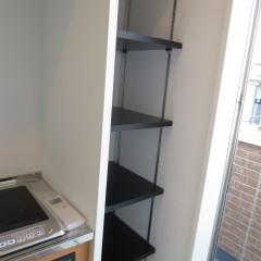 玄関収納 玄関スペースが狭い場合収納棚を施工します。