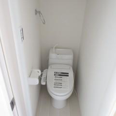 トイレ (温水洗浄便座は別途工事代金が発生します。)