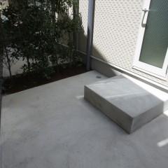 1階庭部分 南側に小さな庭があります。