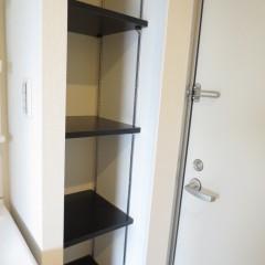 玄関収納 自由に移動可能な形式です。