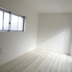室内3 上記のタイプより一回り広いタイプのお部屋です。