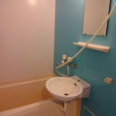浴室。アクセント色(標準)は水色を使用しています。