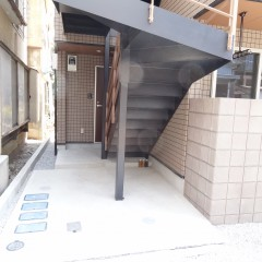 共用部分階段下は空きスペース