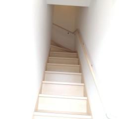 2階に行く階段