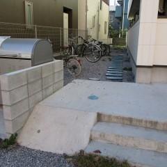 スロープ、自転車置き場